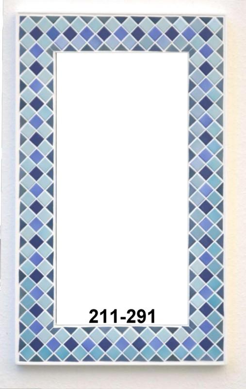 Ein Aufwendig Komponierter Spiegel Mit Mosaikfliesen In